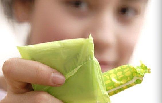 tampon serviette recadre - Serviettes, tampons et mycoses vaginales, quelles relations ?