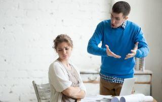 dreamstime xs 67903288 320x202 - Manipulation ou harcèlement ? Sachez faire la différence !